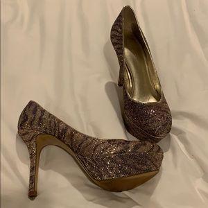 ✨Nine West heel ✨